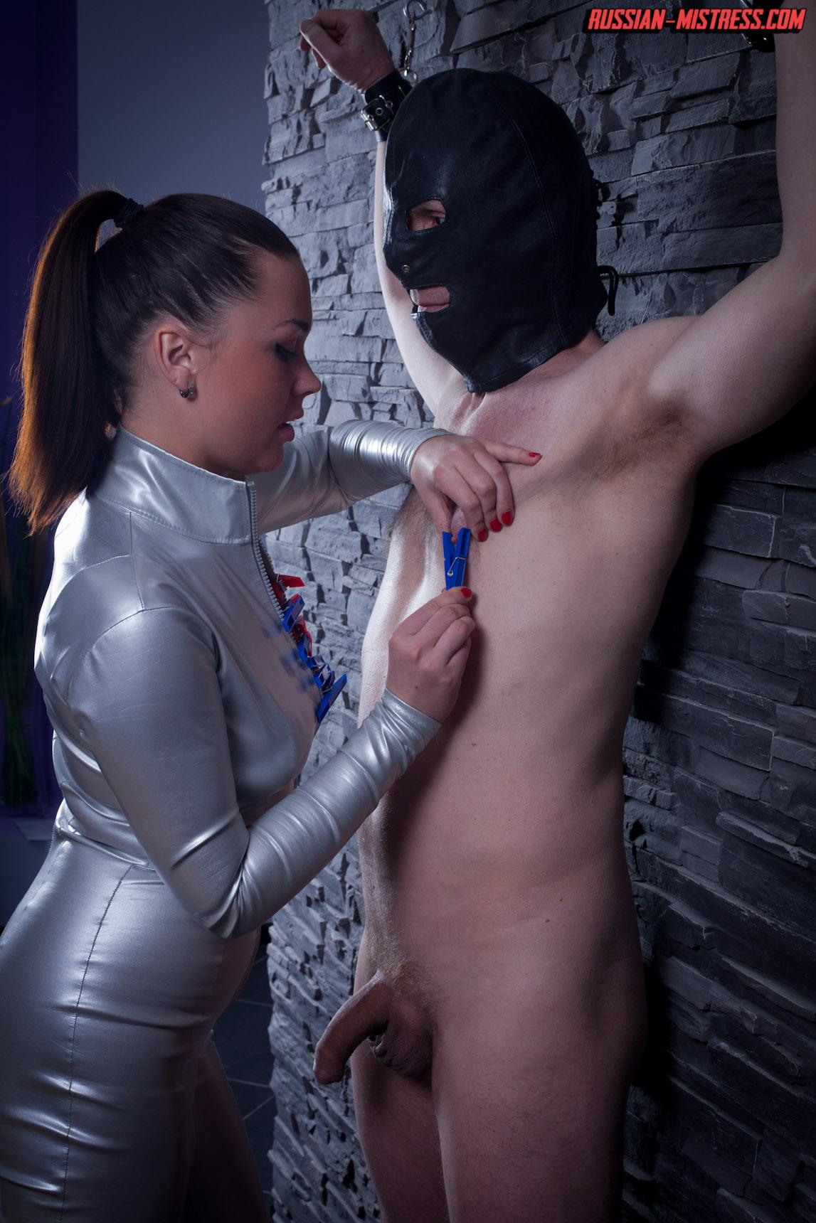 http://russianmistress.femdomworld.com/218/01/pics/img08.jpg