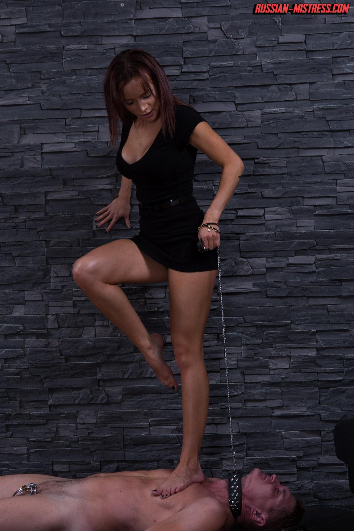 http://russianmistress.femdomworld.com/226/01/pics/img14.jpg